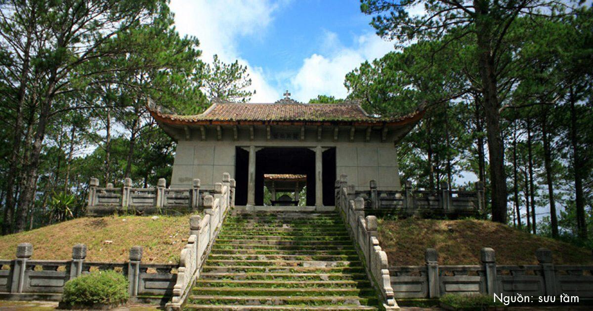 Lăng mộ đá bị bỏ hoang của bố vợ vua Bảo Đại ở Đà Lạt